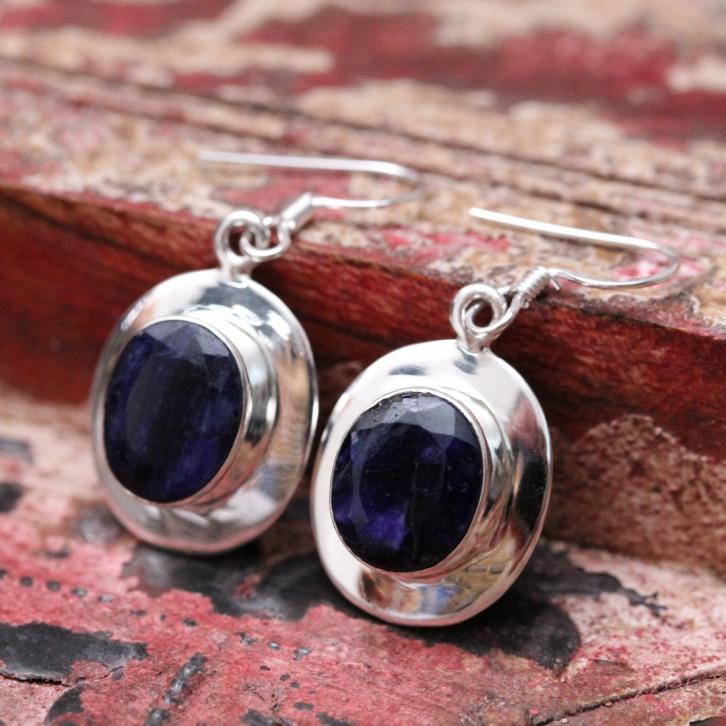 Boucles d'oreilles en argent et pierre racine de saphir